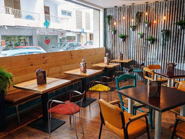 Project Social Ibiza : Bar and Restaurant in Santa Eulalia